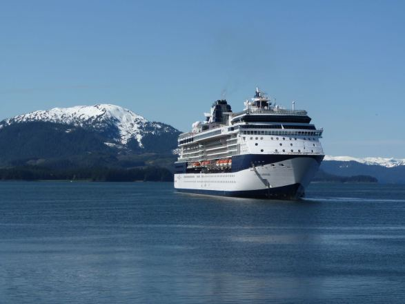 Cruise Ship TheIntentionalTravelercom - Do cell phones work on a cruise ship