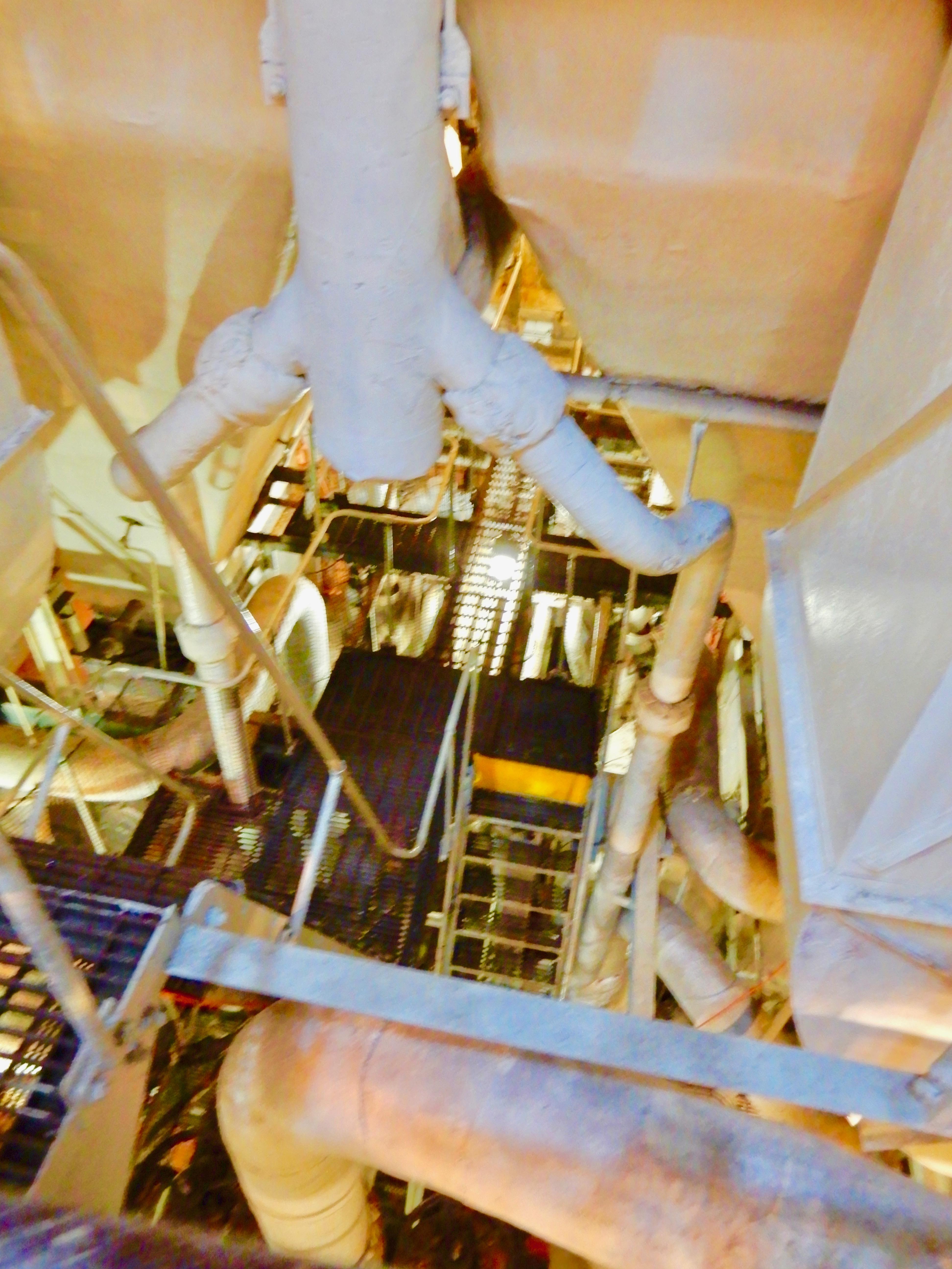 Disney Cruise Ship Engine Room: DSCN3469